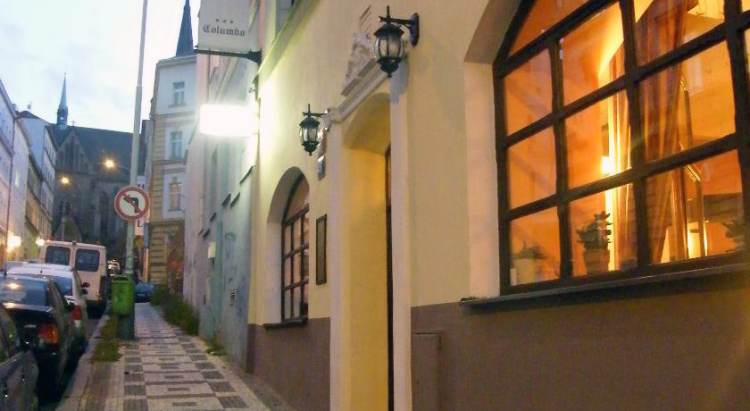 Hotel Columbo